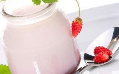 Сколько калорий в йогурте (в питьевом, в активиа, в домашнем)?